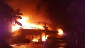 The fire starts on the 1st floor of Thanh Do supermarket