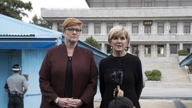 Australian Foreign Minister Julie Bishop (R) and Defense Minister Marise Payne answer reporters' questions during a visit to the inter-Korean truce village of Panmunjom on Oct. 12, 2017. (Yonhap)