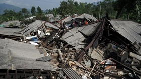 Damaged houses after the quake in Indonesia (Photo: Reuters)
