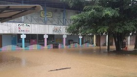 A school is flooded in heavy rain in Thailand (Photo: bangkokpost.com)