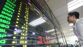 Shares rise at start of new week
