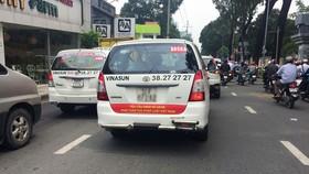 Tạm ngừng phiên tòa Vinasun kiện Grab Taxi để thu thập thêm chứng cứ