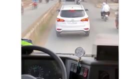 Xử lý tài xế cản đường xe chữa cháy