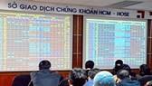 """Khối ngoại """"xả hàng"""" VNM và VIC: VN-Index vẫn tăng gần 10 điểm"""