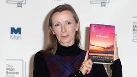 Nữ nhà văn Bắc Ireland đầu tiên đoạt giải Man Booker Prize 2018