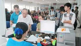 Chế tài hành vi mua bán vé tàu thu lợi bất chính