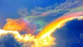Lời mây ngũ sắc (*)