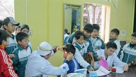 Khám sức khỏe định kỳ cho học sinh