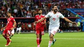 """Iran - Tây Ban Nha 0-1, bàn thắng """"ăn may"""" của Diego Costa"""