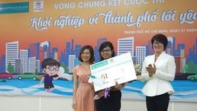 Thí sinh Dương Nguyễn Kim Ngân nhận giải ba của chương trình.