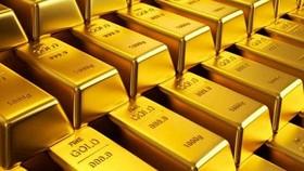 Giá vàng tiếp tục lao dốc, thiết lập đáy trong 1 năm qua (Ảnh minh họa: KT)