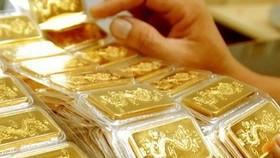 Giá vàng tăng trở lại theo đà tăng của giá vàng thế giới
