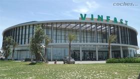 Một góc tòa nhà điều hành của VinFast tại Cát Hải, Hải Phòng. Ảnh Coches.net