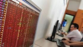 Tháo hàng trên diện rộng VN Index giảm 5,49% mất mốc 940 điểm