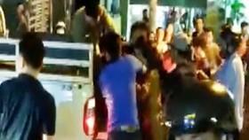 Sau va chạm giao thông, nam thanh niên đi cùng bạn gái bị đánh dẫn đến tử vong