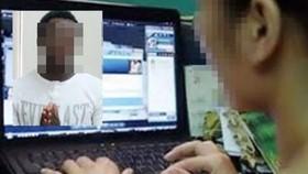 """Bắt 2 người nước ngoài lừa đảo """"quý bà"""" trên mạng"""