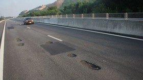VEC dự kiến sẽ hoàn thành sửa chữa cao tốc Đà Nẵng - Quảng Ngãi vào trưa ngày 17-10