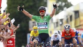 """""""Siêu Sagan"""" đã giành chiến thắng chặng thứ 2 ở Tour de France"""