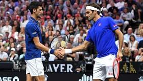Novak Djokovic và Roger Federer ở Laver Cup