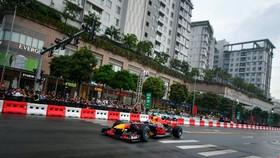 Xe đua Red Bull trên đường phố của Việt Nam