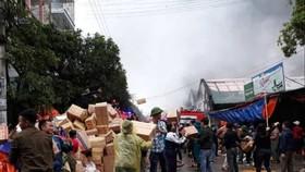 Cháy kho chứa hàng ở chợ lớn nhất Nghệ An