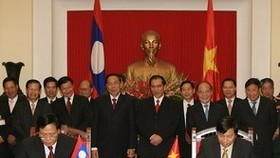 Vietnam, Laos vow to preserve solidarity forever