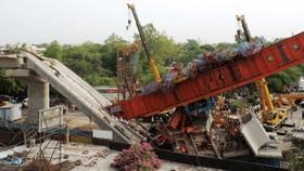 Five dead, 15 injured in New Delhi metro rail bridge collapse