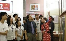 Hanoi hosts annual camp for overseas Vietnamese