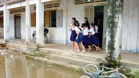 Lack of funds dogs Mekong Delta education