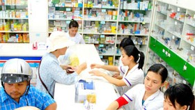Patients suffer as HCMC drugstores fix prices arbitrarily