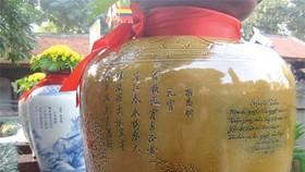 Exhibition of poetry pots opens in Hanoi