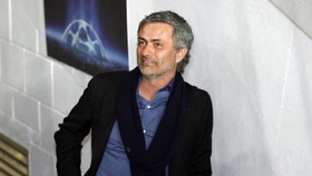 AC Milan in summit push, Inter welcome back Mourinho