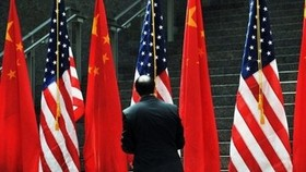 US and China sign trade deals, Beijing seeks more