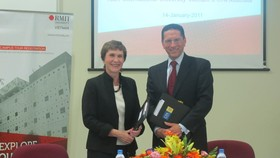 Accountancy association 'shakes hand' with RMIT Vietnam