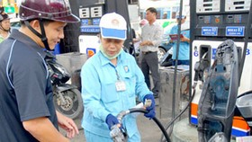 Gasoline import tariff at 0 percent