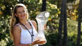 Tennis: Azarenka beats Sharapova for Miami title