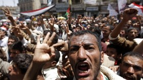 At least 250 injured as Yemen police disperse protest