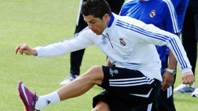Ronaldo in Real squad for Spurs clash