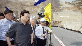 Gov't leader hails Son La power plant as model