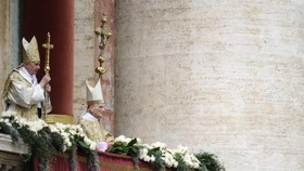 Pope urges 'diplomacy' in Libya, 'solidarity' with refugees