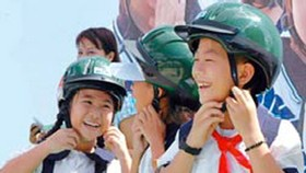 Helmets reduce death toll in road accident