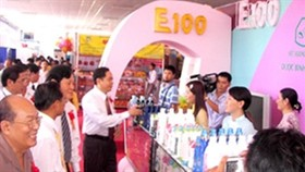 Mekong Expo 2011 opens in Can Tho Province