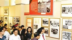 Hanoi hosts photo exhibition on Ho Chi Minh