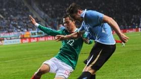 Chile win Pacifico clasico; Uruguay book Argentina clash