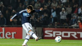Tevez torment as Argentina miss out