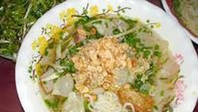 Rice vermicelli with jellyfish of Nha Trang brings best flavors from the sea
