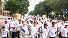 Red Cross peace-walk for 'agent orange' victims
