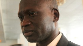 S. Sudan says oil cargo released but talks stalled