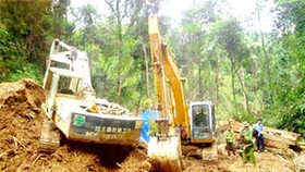 Illegal gold mining makes messes in Central Highlands district