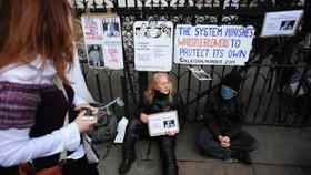 Pressure on Australian government for Assange action